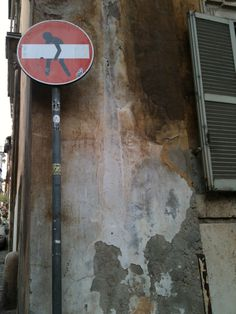 A stop sign in #Rome #Italy    #thePROP