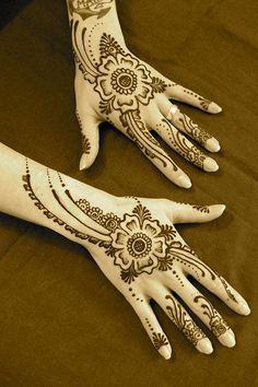 Gorgeous henna by ReMarkable Blackbird (Nev Levin)