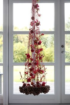Also read non-traditional Christmas tree. Masterclass Christmas balls made of beads Huge Christmas t Christmas Flowers, Christmas Makes, Christmas Design, Christmas Holidays, Christmas Wreaths, Christmas Crafts, Christmas Ornaments, Christmas Chandelier, Traditional Christmas Tree