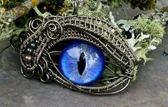 Awesome wire-wrapping. twistedsisterarts.etsy