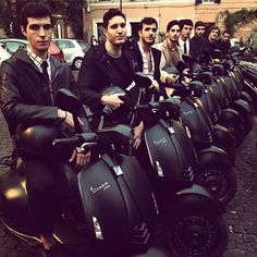 Armani new VESPA today in Rome New Vespa, Nyc Blog, Scooter Custom, Italian Lifestyle, Vespa Scooters, Sophisticated Style, Giorgio Armani, Touring, Eye Candy