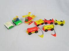 Vtg 1972 Fisher Price PLAY FAMILY AIRPORT Helicopter Vehicles Little People #996 #FisherPrice