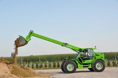 This new Merlo product is equipped with various features such as hydraulic capacity, empty weight of 12000 kg  and an ultimate lift height of 8.6 m or 28.2 feet. It has a length of 5.12m and width 2.54m (8.3 feet). Available @ aayag.com Tractors, Empty, Things To Sell