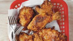 Fried Chicken Perfectly crispy on the outside and deliciously juicy on the inside.Perfectly crispy on the outside and deliciously juicy on the inside. Potluck Recipes, Dinner Recipes, Cooking Recipes, Dinner Ideas, Oven Recipes, Turkey Recipes, Easy Recipes, Cooking Bacon, Popular Recipes