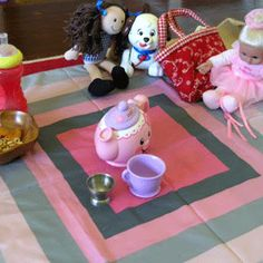 """15 Quiet Play Activities for Toddlers & Preschoolers, for the kiddos who """"need"""" TV or are not napping."""