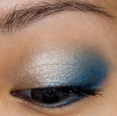 I've always kind of been afraid of blue eye makeup. Maybe I could handle this.
