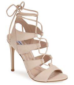 A(z) shoes nevű tábla 17 legjobb képe | Cipők, Divat és