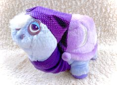 A very rare Tonka Keypers purple Sheldon the Snail 10 plushie! Its in good played with condition with minimal signs of age.  Please see all pictures up close for a thorough representation! :) I have TONS more cute vintage items like this for sale in my etsy - check out and get a super cheap combined shipping price!  I ship WORLDWIDE from a clean, pet & smoke-free home! Please note that shipping times will be slower OUTSIDE of the US & Canada (up to 3 months), and tracking is not included to…
