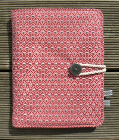 free tutorial of the sketchbook / My Little Seams Baby Couture, Couture Sewing, Baby Diy Projects, Sewing Projects, Capas Kindle, Sewing Online, Diy Bags Purses, Creation Couture, Sewing Accessories
