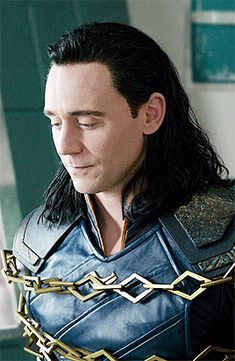 (former Averea) is a Romanian tabloid newspaper owned by Adevărul Holding media In Click! had the top sales in Romania, with sold on Tom Hiddleston Loki, Thomas William Hiddleston, Loki Thor, Loki Laufeyson, Marvel Avengers, Chris Hemsworth, Toms, Man Thing Marvel, Bucky Barnes