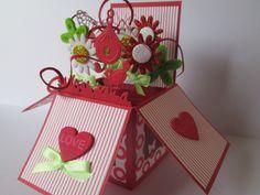 Carte originale pour fête des mères boite pop up bouquet de fleurs : Cartes par les-petits-papiers-de-marie