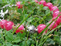 Biżuteria - malinowe jadeity przysiadły sobie w koniczynie...