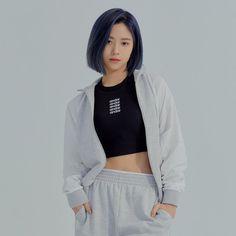 Ryujin for Andar 2020 South Korean Girls, Korean Girl Groups, K Pop, Blue Hair, Kpop Girls, My Girl, Korean Fashion, Adidas Jacket, Jimin