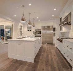 Modern Farmhouse Interiors, Modern Farmhouse Kitchens, Farmhouse Style, Kitchen Modern, Farmhouse Plans, Open Plan Kitchen Living Room, Home Decor Kitchen, Dining Room, Kitchen Ideas