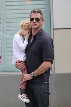 Eric Dane Photos Photos - Rebecca Gayheart out with Eric Dane and both kids for breakfast in Los Angeles. - Rebecca Gayheart and Eric Dane in Los Angeles Rebecca Gayheart, Mark Sloan, Marley And Me, The Last Ship, Eric Dane, Medical Drama, Greys Anatomy, American Actors, Couple Photos
