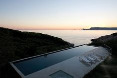 ALON House by AABE