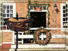 Burning Cressets Colonial Williamsburg Va Pinterest Posts Colonial Williamsburg And