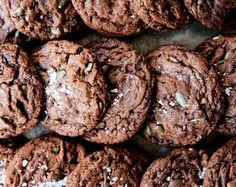 chocolate chunk cookies with pumpkin seeds