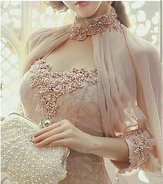 Indian Gowns, Pakistani Dresses, Evening Dresses, Prom Dresses, Mode Hijab, Indian Designer Wear, Beautiful Gowns, Dress Patterns, Indian Fashion