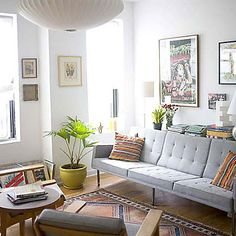 Super love the sofa design. Gotta copy this for my living room <3