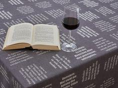 Guter Wein und gute Sprüche. Eine Wohltat für die Seele. Bath Caddy, Form, Red Wine, Alcoholic Drinks, Glass, Hemp, Good Sayings, Weaving, Textiles