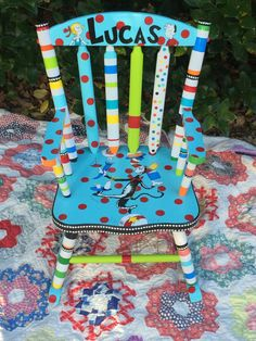 The Cat in the Hat Rocking Chair Dr Seuss Kid's by elliesshop Whimsical Painted Furniture, Hand Painted Furniture, Painting Furniture, Diy Furniture, Dr Seuss Day, Dr Suess, Dr Seuss Chairs, Dr Seuss Nursery, Time Out Chair