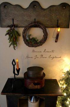 Primitive wood coat rack to make Primitive Shelves, Primitive Homes, Primitive Furniture, Primitive Antiques, Primitive Crafts, Country Primitive, Prim Decor, Country Decor, Rustic Decor