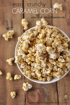 Microwave Caramel Popcorn is the best way to make delicious caramel corn! Place all of the ingredients in a bag, cook in the microwave, then toss the bag for easy clean up! Microwave Caramel Popcorn Recipe, Corn In The Microwave, Microwave Caramels, Popcorn Recipes, Snack Recipes, Cooking Recipes, Popcorn Snacks, Pop Popcorn, Gourmet Popcorn