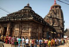 Large Numbers of Devotees Celebrate Mahashivaratri in Various Shiva Temples in the State.