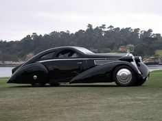 Believe it or not, this Rolls Royce was built in the '30s. Batmobile before the Batman...