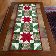 Christmas StarTable Runner by thequilthaus on Etsy Patchwork Table Runner, Table Runner Pattern, Quilted Table Runners, Xmas Table Runners, Table Runner And Placemats, Christmas Placemats, Christmas Runner, Barn Quilt Patterns, Hanging Table