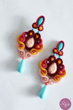 Summer colorful soutache earrings, Reje creations handmade in Italy Beaded Earrings, Beaded Jewelry, Handmade Jewelry, Tutorial Soutache, Soutache Necklace, Jewelry Art, Jewellery, Beading Tutorials, Beaded Embroidery