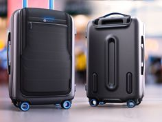 Bluesmart Smart Carry On Luggage for Travelers - Gadgets (Accessories) Carry On Suitcase, Carry On Luggage, Travel Luggage, Best Travel Gadgets, New Gadgets, Gadgets Techniques, Gps Tracking Device, Smartphone, Must Have Gadgets