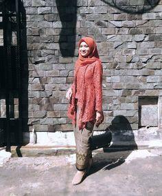 New Dress Long Maxi Inspiration Ideas Kebaya Kutu Baru Hijab, Kebaya Brokat, Kebaya Dress, Batik Kebaya, Kebaya Muslim, Kebaya Kutu Baru Modern, Trendy Dresses, Nice Dresses, Kebaya Modern Hijab