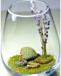 DIY Wedding Table Decoration Ideas - Terrarium - Click Pic for 46 Easy DIY Wedding Decorations. I think this is adorable for a desk decoration too.