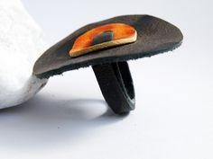 Anello Tribale Pelle Stampata Marrone Arancio - SteamyLab - Bigiotteria in pelle