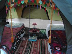 Great tent set up. Talk about Glamping! Camping Glamping, Diy Camping, Family Camping, Camping Hacks, Camping Ideas, Backyard Camping, Outdoor Camping, Outdoor Life, Camping Tent Decorations