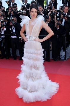 "Kendall Jenner – ""Girls of the Sun"" Premiere at Cannes Film Festival Crazy Dresses, Low Cut Dresses, Formal Dresses, Evening Dresses, Celebrity Red Carpet, Celebrity Dresses, Celebrity Style, Music Festival Outfits, Music Festival Fashion"