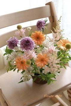 【今日のLove letter】アレンジ定期便もあります | Flower noteの フラワーギフト&レッスン(横浜・上大岡) Flower Arrangements, Floral Design, Flowers, Plants, Floral Arrangements, Floral Patterns, Plant, Royal Icing Flowers, Flower