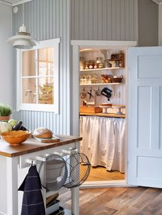 The cottage pantry , love the grey wainscot boarding. This is adorable! Kitchen Pantry, Kitchen Storage, Kitchen Dining, Estilo Cottage, Cottage Shabby Chic, Pantry Design, Creation Deco, Butler Pantry, Walk In Pantry