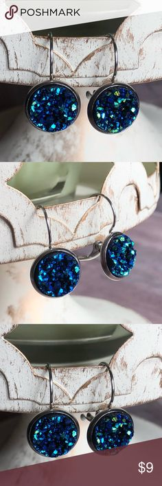 """🆕Chunky Blue Green Druzy Lever-Back Earrings! New, Handmade by Me! Gorgeous Chunky Blue Green Druzy in Stainless Steel Lever Back Style Earring. Approx 1"""" Total Length; Stone is 12mm or 1/2"""" 📸These are my pics of the actual items you receive!  ▶️1 For $9, 2 For $15; Drop Earrings are NOT Part of 3 for $15 Deal◀️ ▪️Lever Back for Pierced Ears ▪️Nickel, Lead & Cadmium Free  *NO TRADES *Price is FIRM as Listed!  *Sales are Final-Please Read Descriptions! gallery_of_gems Jewelry Earrings"""