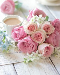 Pink roses and tea Love Rose, Pretty Flowers, Pink Flowers, Deco Floral, Morning Flowers, Rose Cottage, Jolie Photo, Color Rosa, Flower Wallpaper