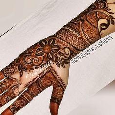 No photo description available. Hena Designs, Mehndi Designs Finger, Legs Mehndi Design, Stylish Mehndi Designs, Mehndi Design Pictures, Mehndi Designs For Fingers, Mehndi Images, Latest Mehndi Designs, Mehandi Designs