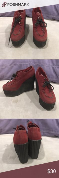 Size 7 burgundy creeper wedges Awesome burgundy suede wedges. Size 7. Super lightweight and comfortable to wear. Shoes Ankle Boots & Booties