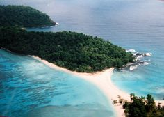 10 Places In Andaman And Nicobar Islands That You Must Visit On Your Honeymoon Best Honeymoon, Romantic Honeymoon, Romantic Destinations, Honeymoon Destinations, Andaman Tour, Port Blair, Andaman And Nicobar Islands, Holiday Resort, Aerial View