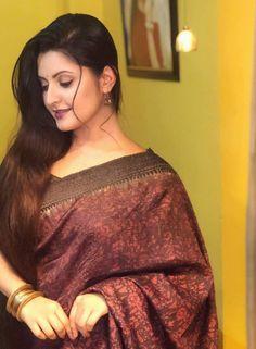 Beautiful Girl Image, Beautiful Long Hair, Beautiful Saree, Beautiful Women, Beautiful Bollywood Actress, Most Beautiful Indian Actress, Beautiful Actresses, Beautiful Housewife, Indian Beauty Saree