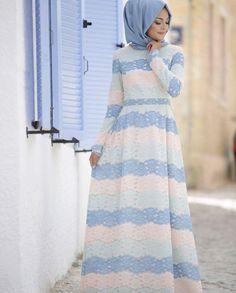 Fashion Hijab Remaja 2017 Ideas For 2019 Islamic Fashion, Muslim Fashion, Modest Fashion, Fashion Outfits, Trendy Fashion, Muslim Dress, Hijab Dress, Hijab Outfit, Modele Hijab
