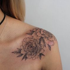 Best Small Tattoo Placement Ideas for Female - Tattoo Style 2019 Tattoo Platzierung, Tattoo Style, Henna Tattoos, Finger Tattoos, Temp Tattoo, Sleeve Tattoos, Small Tattoo Placement, Cool Small Tattoos, Little Tattoos