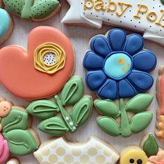 Flower Sugar Cookies, No Bake Sugar Cookies, Sugar Cookie Royal Icing, Mother's Day Cookies, Paint Cookies, Summer Cookies, Fancy Cookies, Iced Cookies, Easter Cookies