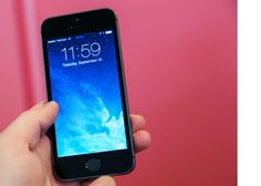 Apple releases iOS 7.0.2 to fix lock screen security bug